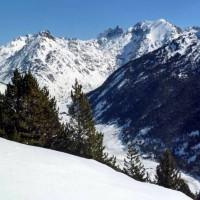 Vista de Entremesaigues, Andorra. Ruta Raquetas de nieve.