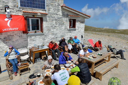 13. Enjoying the lunch at the refuge after the climb to the summit._resize